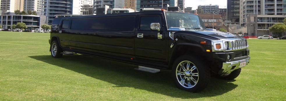 Black-H2-Hummer-Limousine3