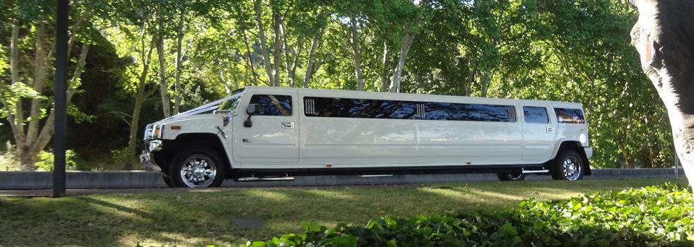 White-H2-Hummer-Limousine2