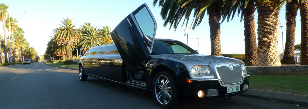 black-silver-Chrysler-limousine2