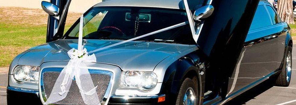 black-silver-Chrysler-limousine3