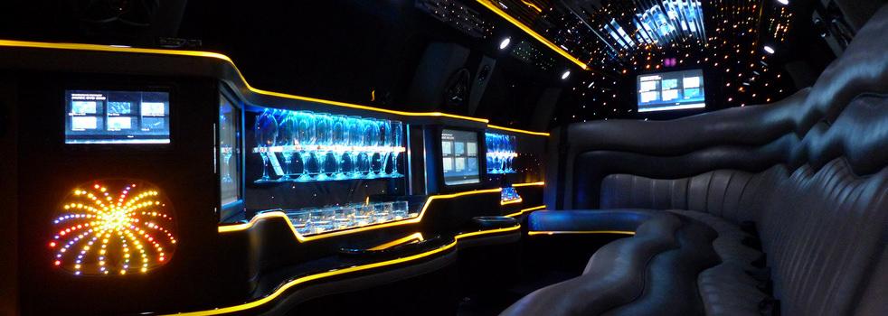 black-silver-Chrysler-limousine4