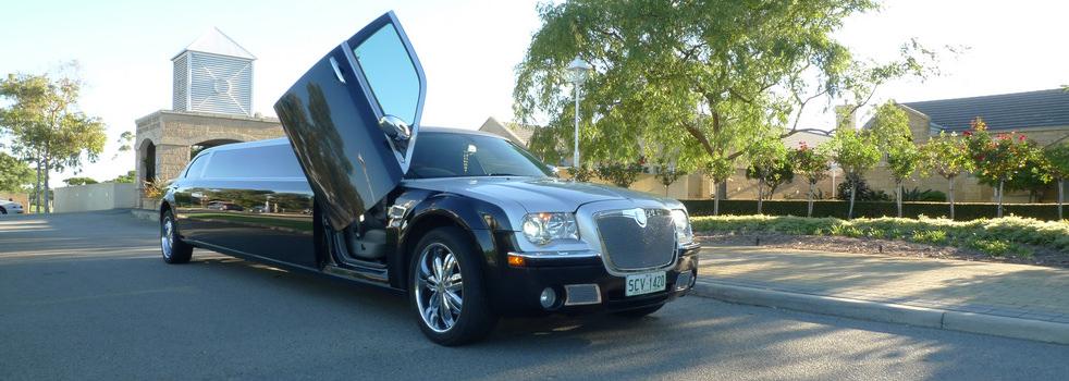black-silver-Chrysler-limousine5