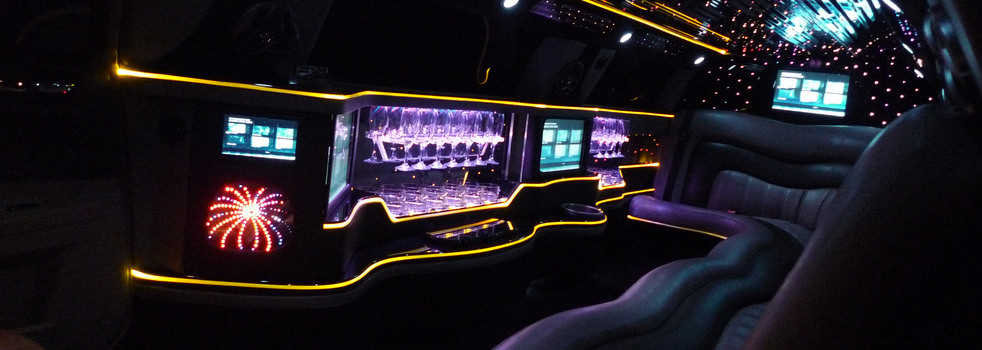 black-silver-Chrysler-limousine7