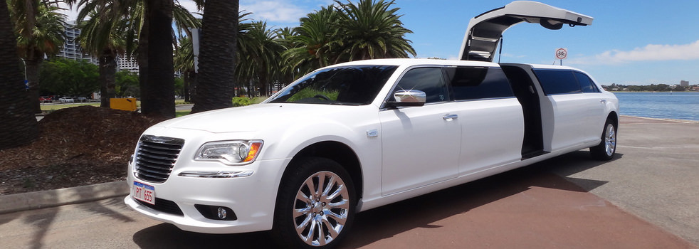 white-Chrysler-limousine3