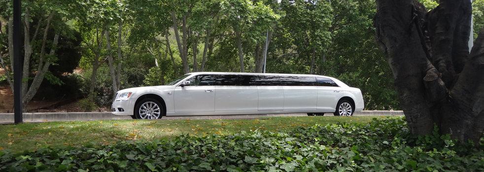 white-Chrysler-limousine4