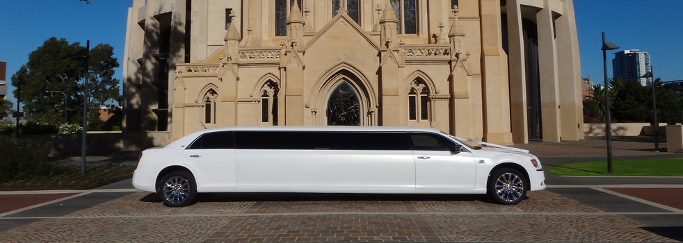 white-Chrysler-limousine7
